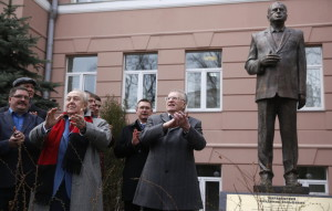 Bronze sculpture of Vladimir Zhirinovsky opening ceremony
