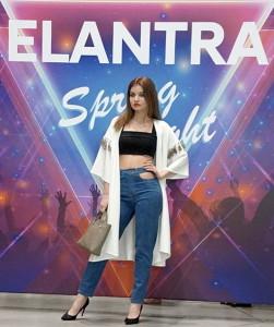 GirlElantra-S1